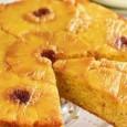 Ingredients ½ x ananas frais 225g de sucre muscovado brun lumière 3 naturels cerises confites couleur, coupées en deux 150g beurre salé, ramolli 3 oeufs 175g de farine à gâteau...